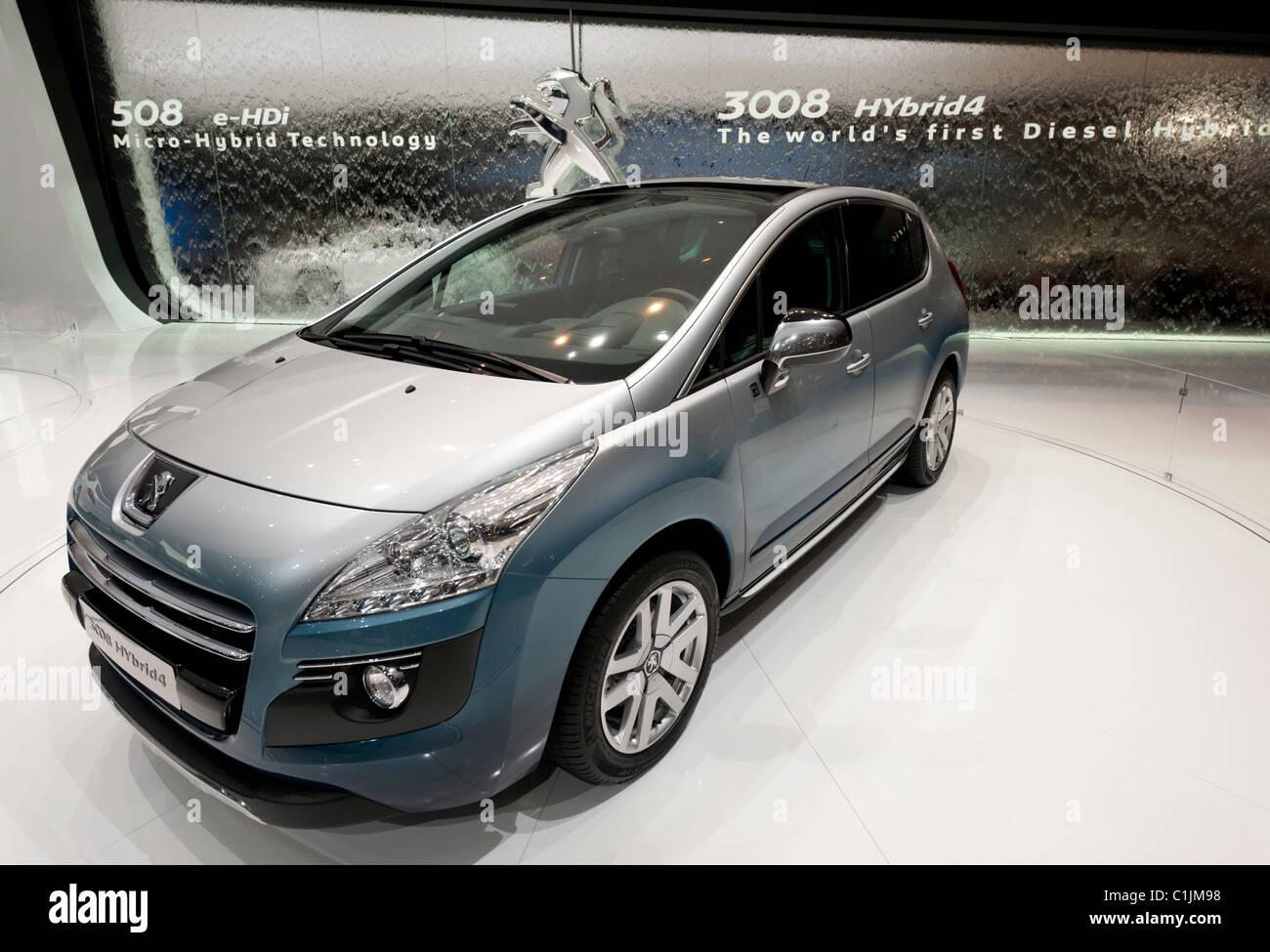 Peugeot 3008 concept mondo il primo ibrido diesel concept car al salone di Ginevra 2011 la Svizzera Immagini Stock