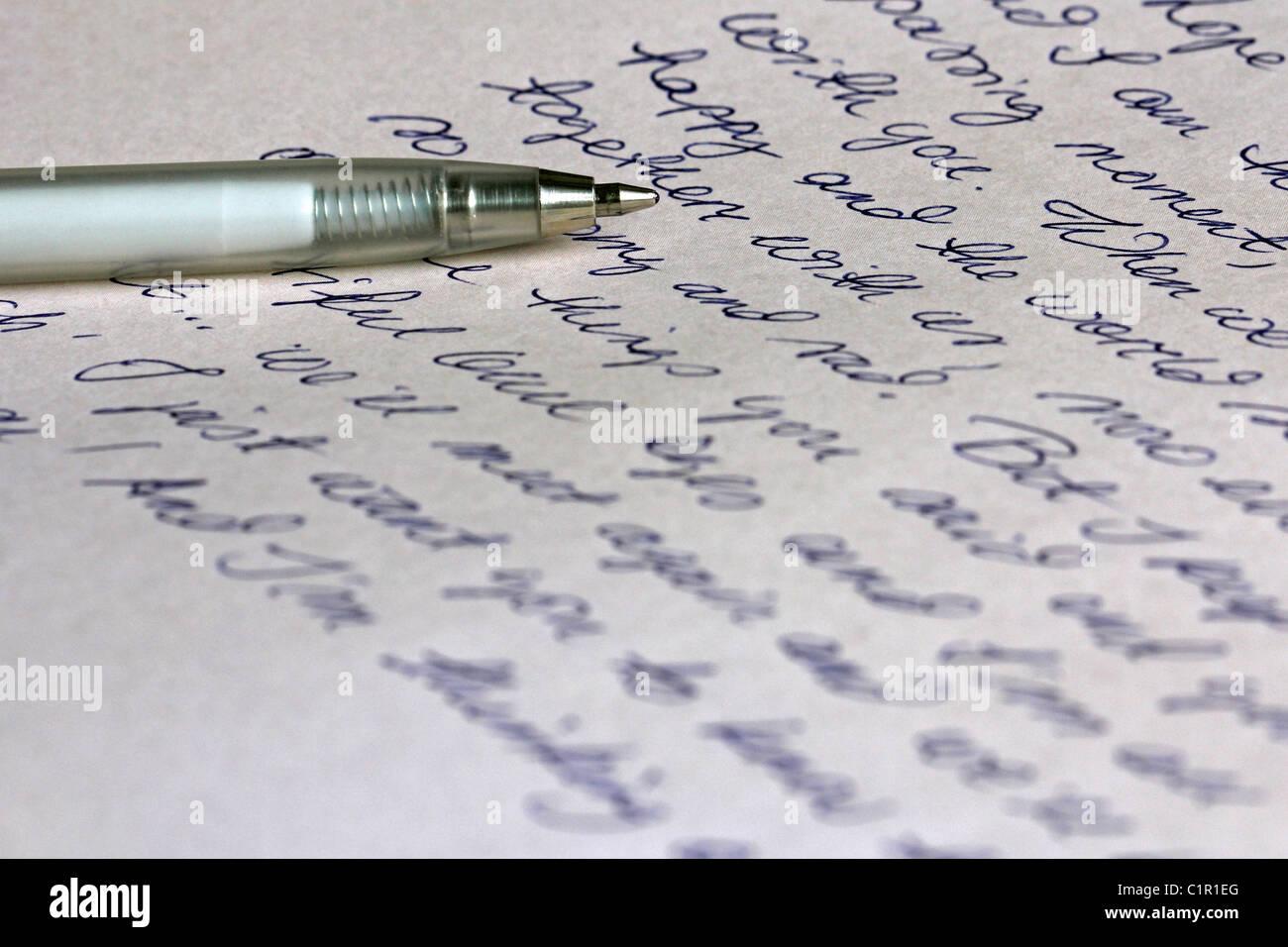 Manoscritte Lettera d'amore e penna Immagini Stock