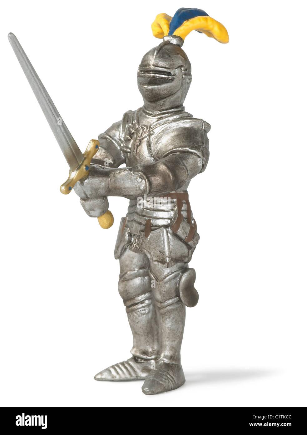 Cavaliere medievale in shining armor isolato su bianco con tracciato di ritaglio Immagini Stock
