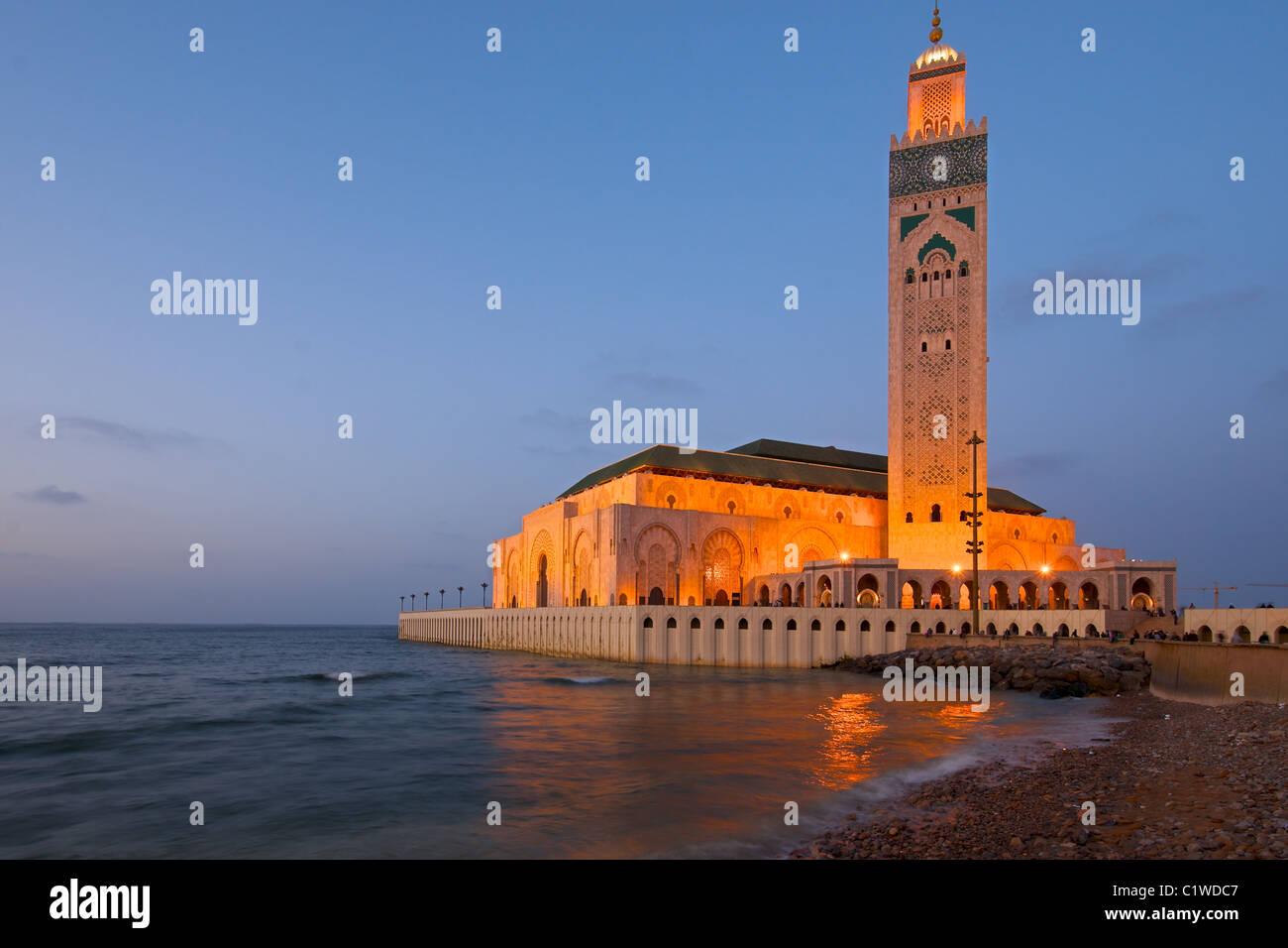 Il re Hassan II Mosque, Casablanca, Marocco catturati durante un bel tramonto Immagini Stock