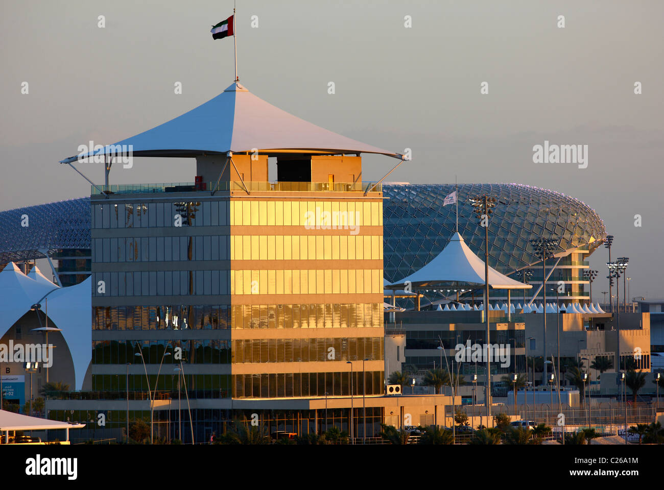 Yas Hotel, a Yas Island, parte della gara di Formula Uno via, hotel design a Yas-Island, Abu Dhabi Emirati Arabi Immagini Stock