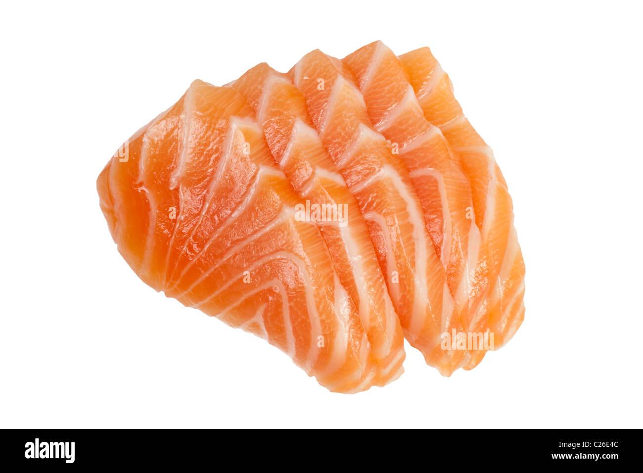 Fette di Salmone crudo usato in sashimi isolati su sfondo bianco Foto Stock