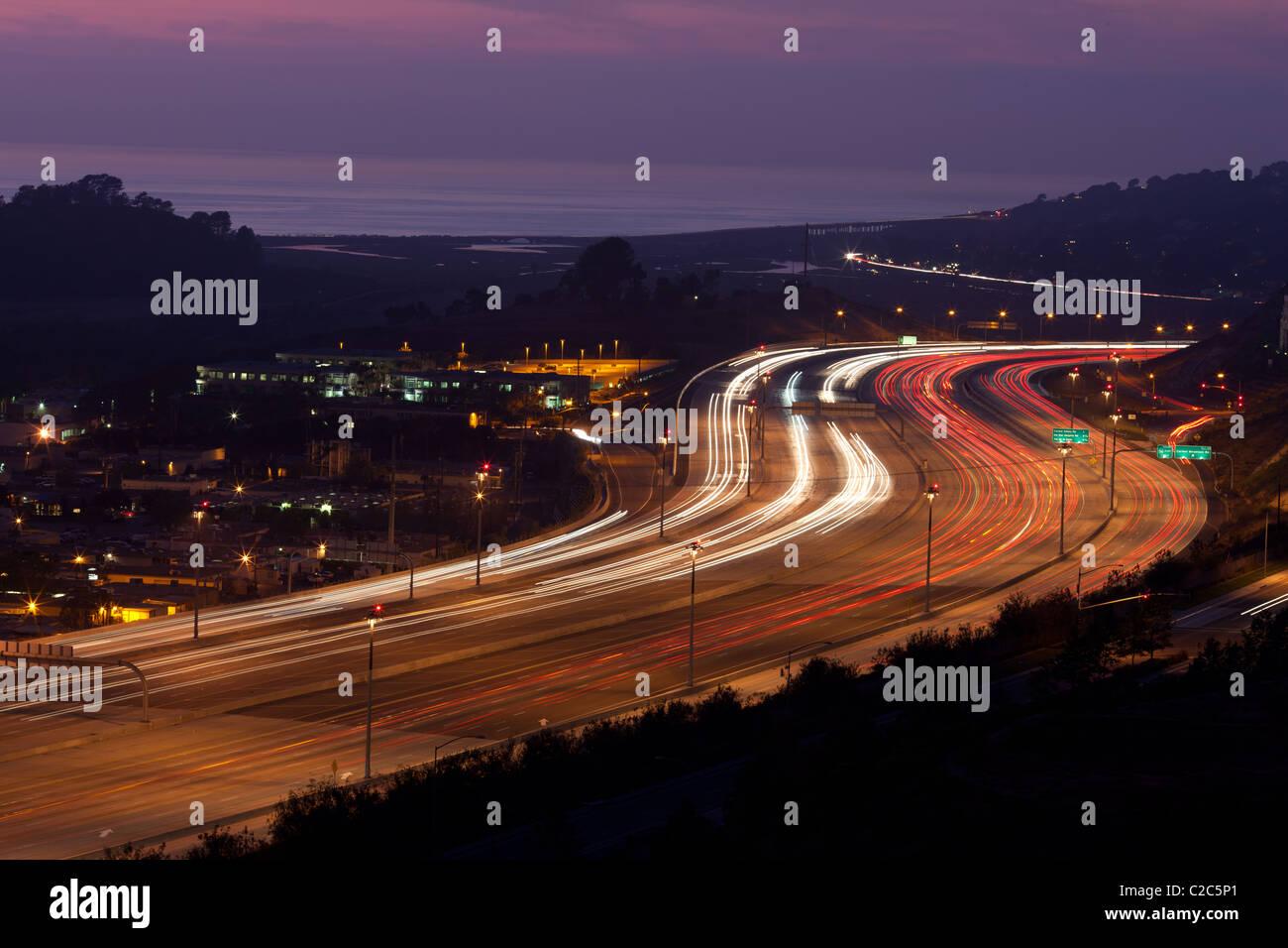 SAN DIEGO FREEWAY o freeway 5 & 56 in Del Mar, della Contea di San Diego, California, Stati Uniti d'America. Immagini Stock