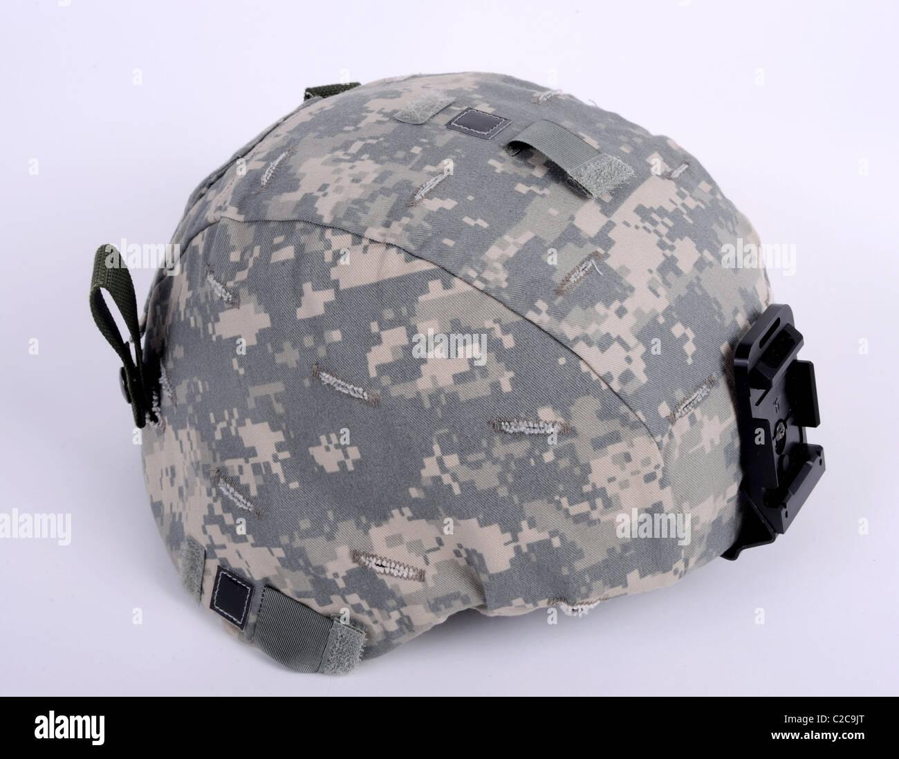 Xxi secolo casco, l'Americano ACH (Advanced Combat casco). Il casco viene indossato con la UCP camo coperchio. Immagini Stock