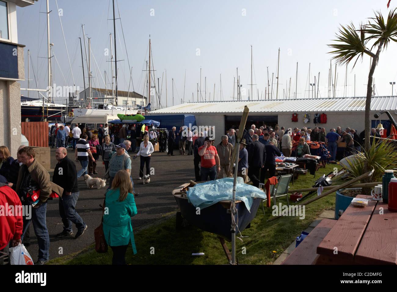 Imbarcazione irlandese accozzaglia in vendita in carrickfergus Sailing Club nella contea di Antrim Regno Unito Immagini Stock