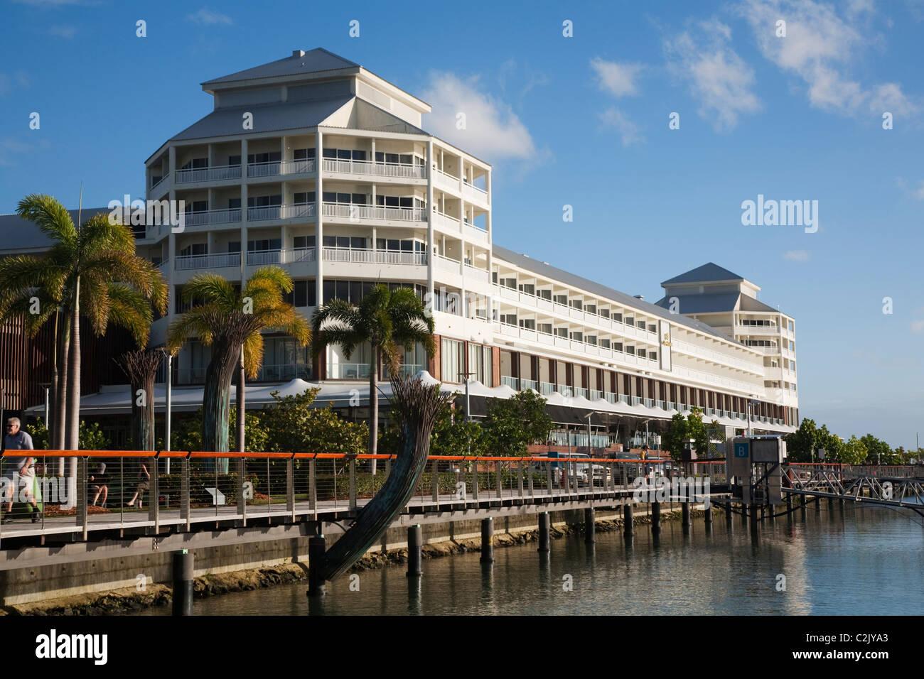 L'hotel Shangri-La a Marlina Marina. Cairns, Queensland, Australia Immagini Stock