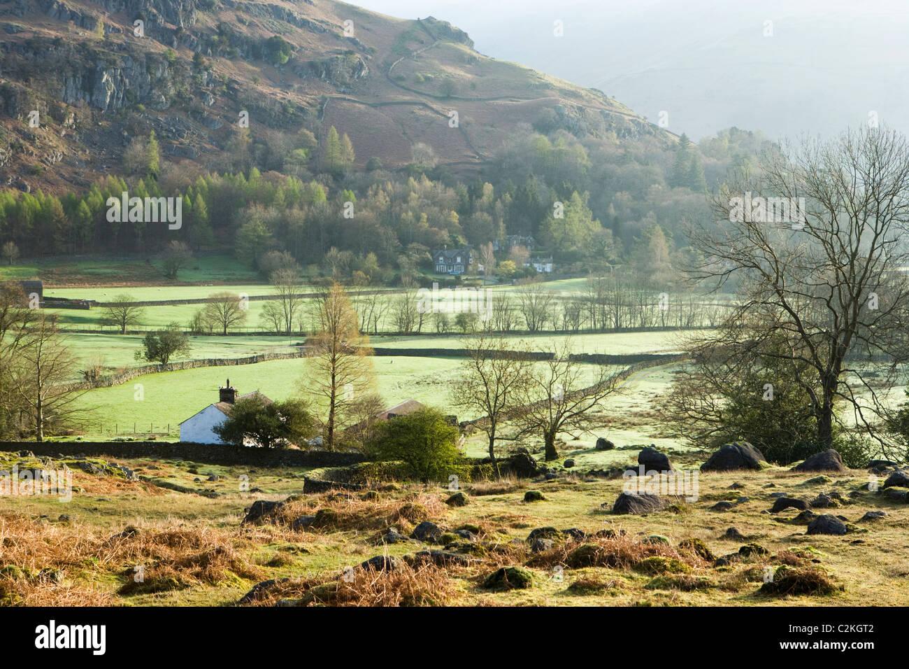 Inizio della primavera alba vicino a Grasmere, Parco Nazionale del Distretto dei Laghi, Cumbria, Regno Unito Immagini Stock