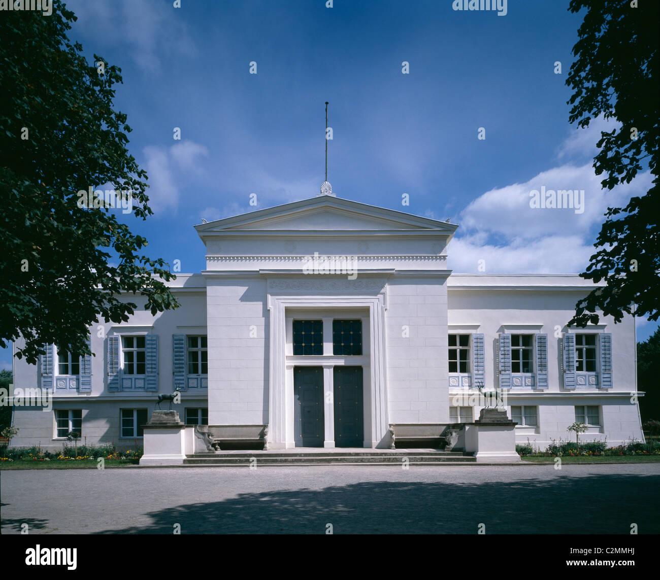 Schloss Charlottenhof, Potsdam, Germania (1826-29) - esterno del palazzo nel Parco Sanssouci. Foto Stock