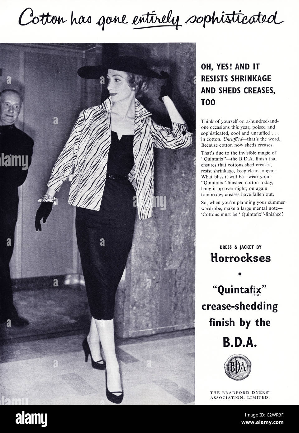 Pagina piena annuncio nella rivista di moda circa degli anni cinquanta per  QUINTAFIX da Bradford Dyers 02513f15a0a