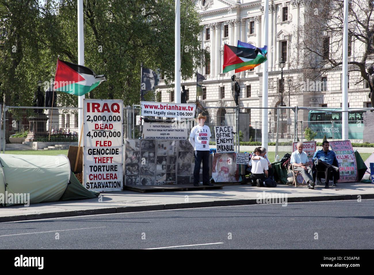 Protester Brian Haw al di fuori della casa del Parlamento Westmister. Immagini Stock