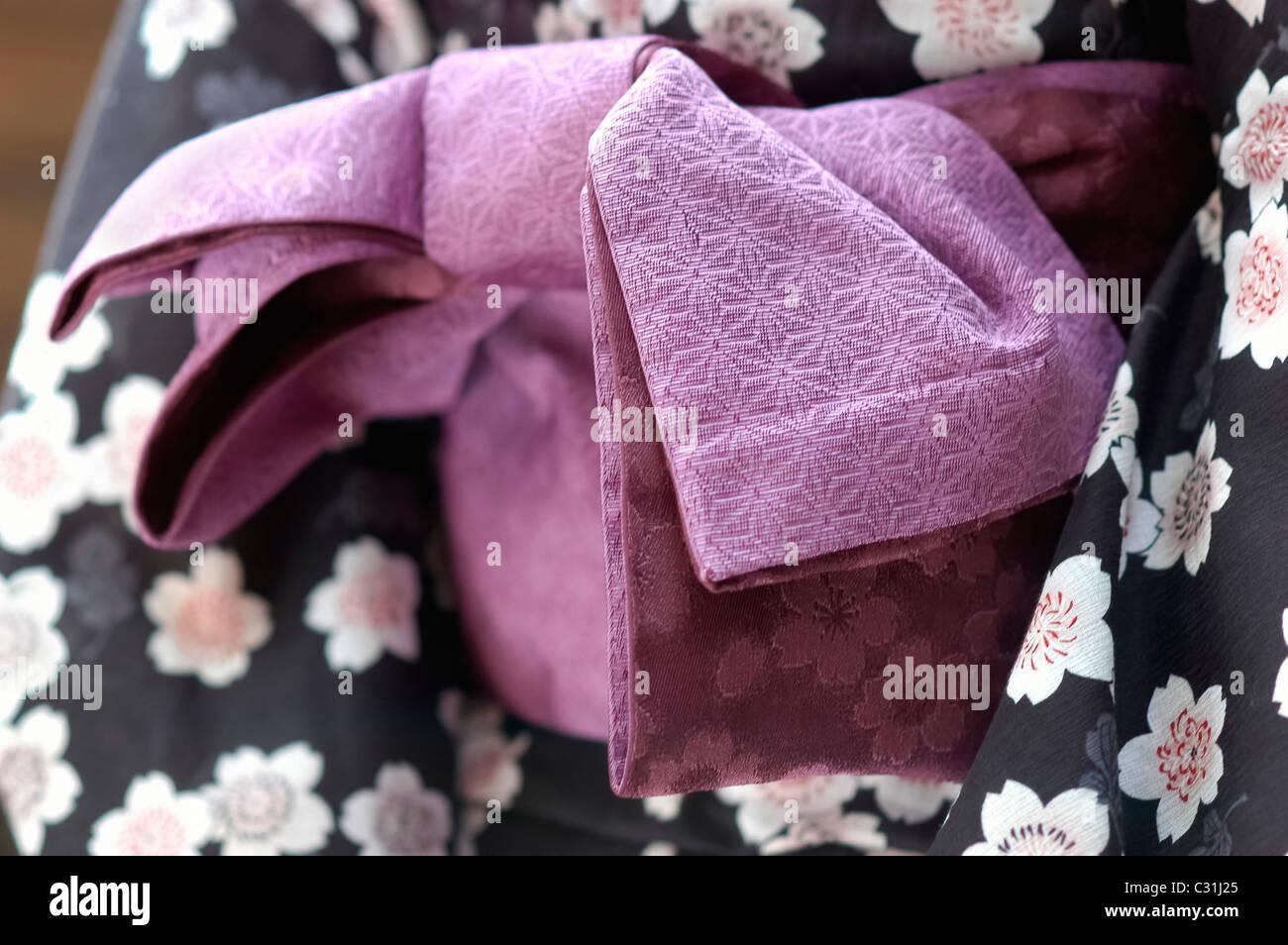 Panchina Giardino Obi : Cinghia larga obi legato attorno al cotone kimono yukata con