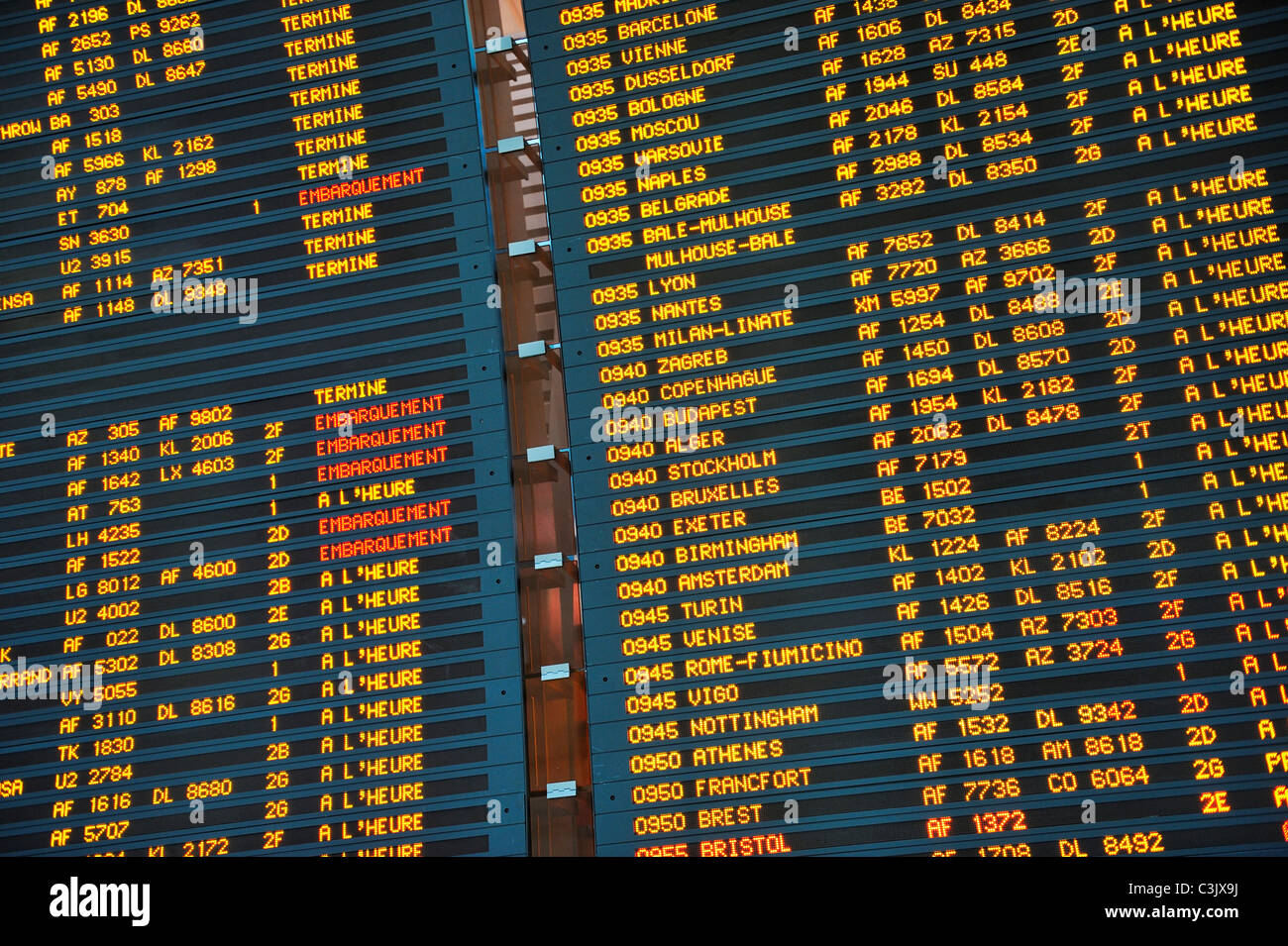 Arrivo / Partenza pensione a Parigi Charles de Gaulle Aeroporto Internazionale, Francia Immagini Stock