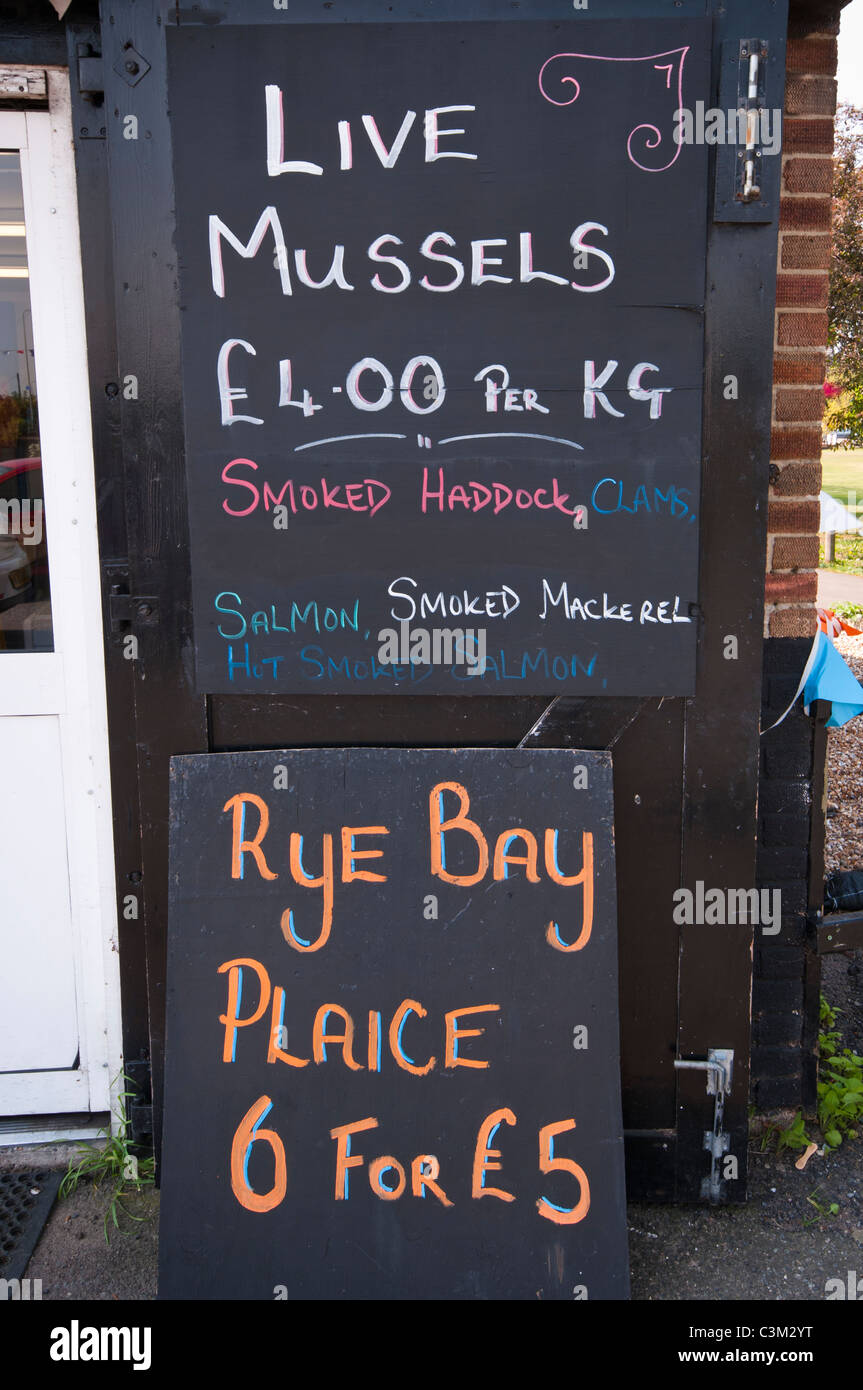 06a13a9297f Fishmongers Sign Immagini   Fishmongers Sign Fotos Stock - Alamy