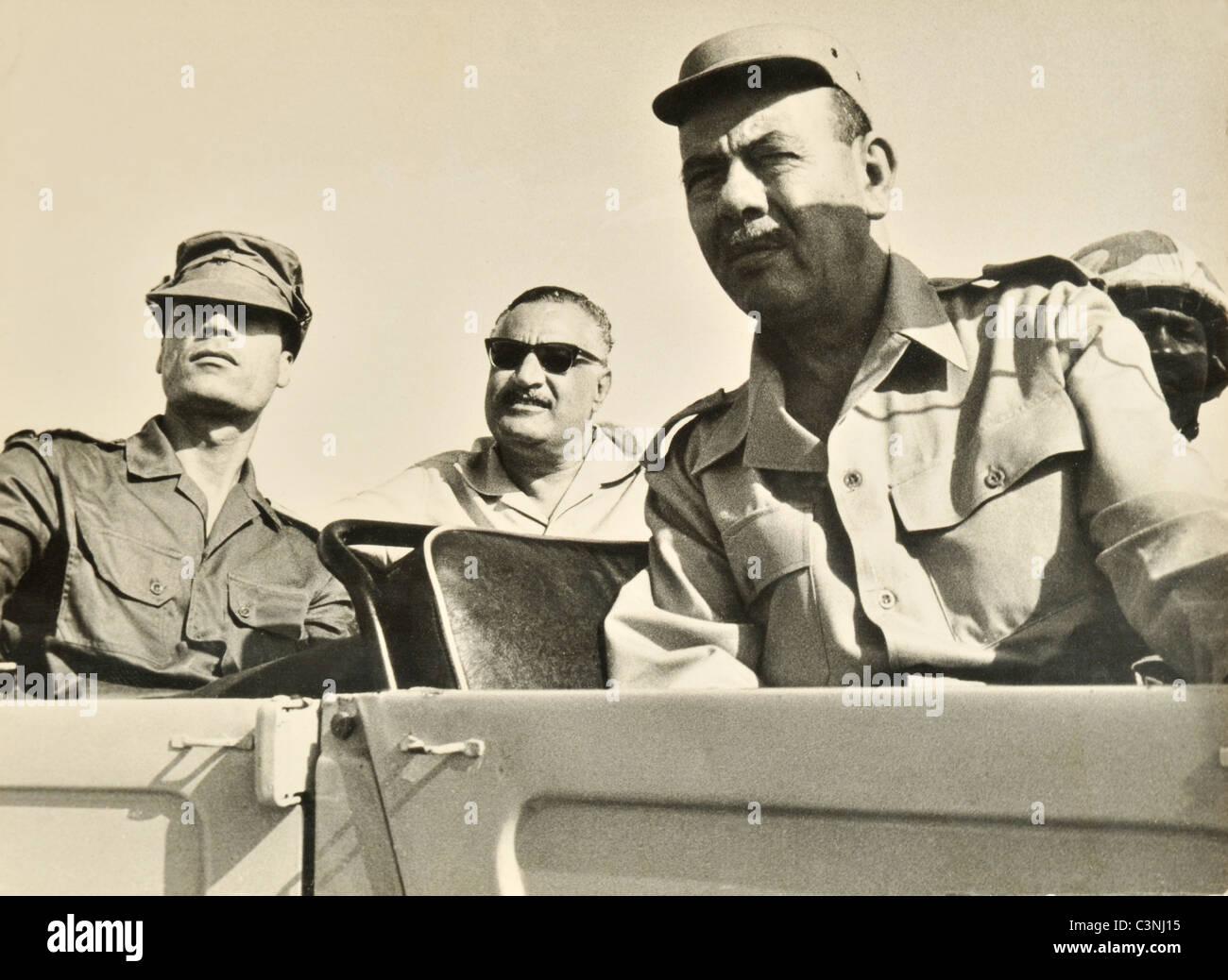 Il Presidente egiziano Gamal Abdel Nasser e il Leader Libico il Colonnello Muammar Gheddafi di egiziani di forze Immagini Stock
