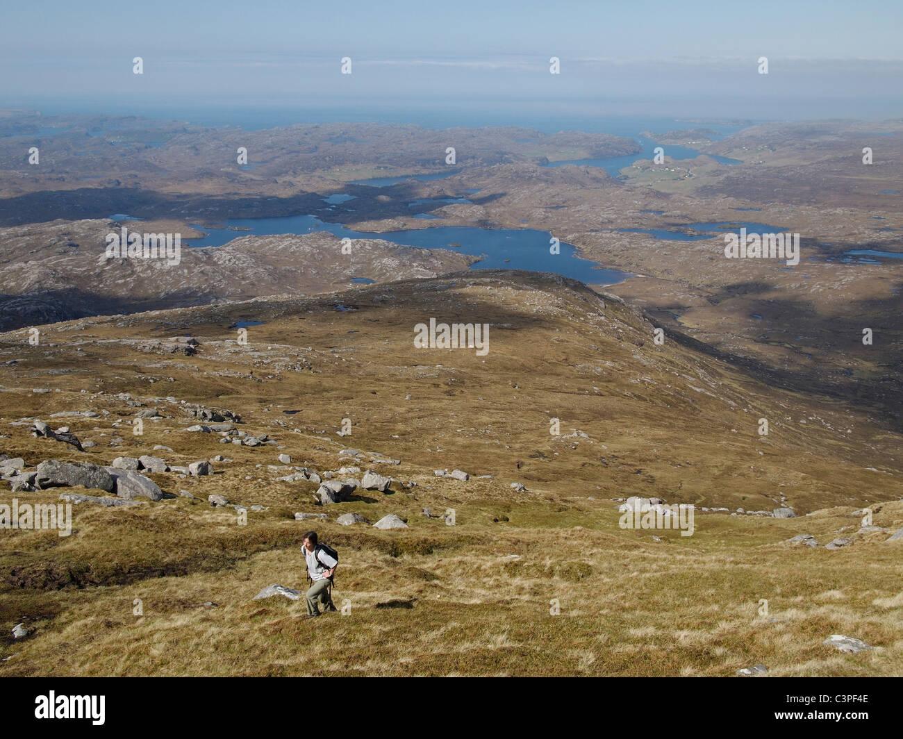 Vista verso ovest Kinlochbervie da Foinaven, Assynt, Scozia Foto Stock