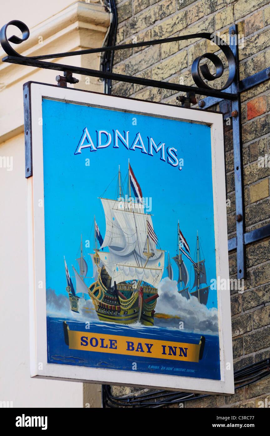 Suola Bay Inn Pub segno, Southwold, Suffolk, Inghilterra, Regno Unito Immagini Stock
