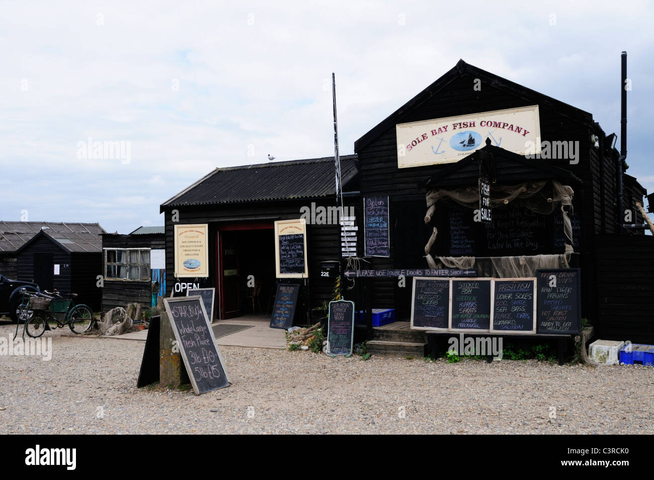 Suola Bay Fish Company Shop, Southwold Harbour, Suffolk, Inghilterra, Regno Unito Immagini Stock