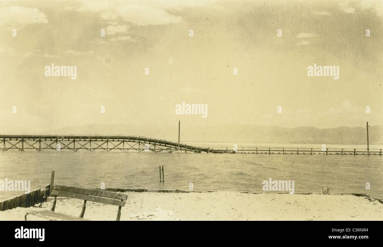 Salt Lake Utah paesaggio corpo salato di acqua Southwest 1940 tetro sterile Immagini Stock
