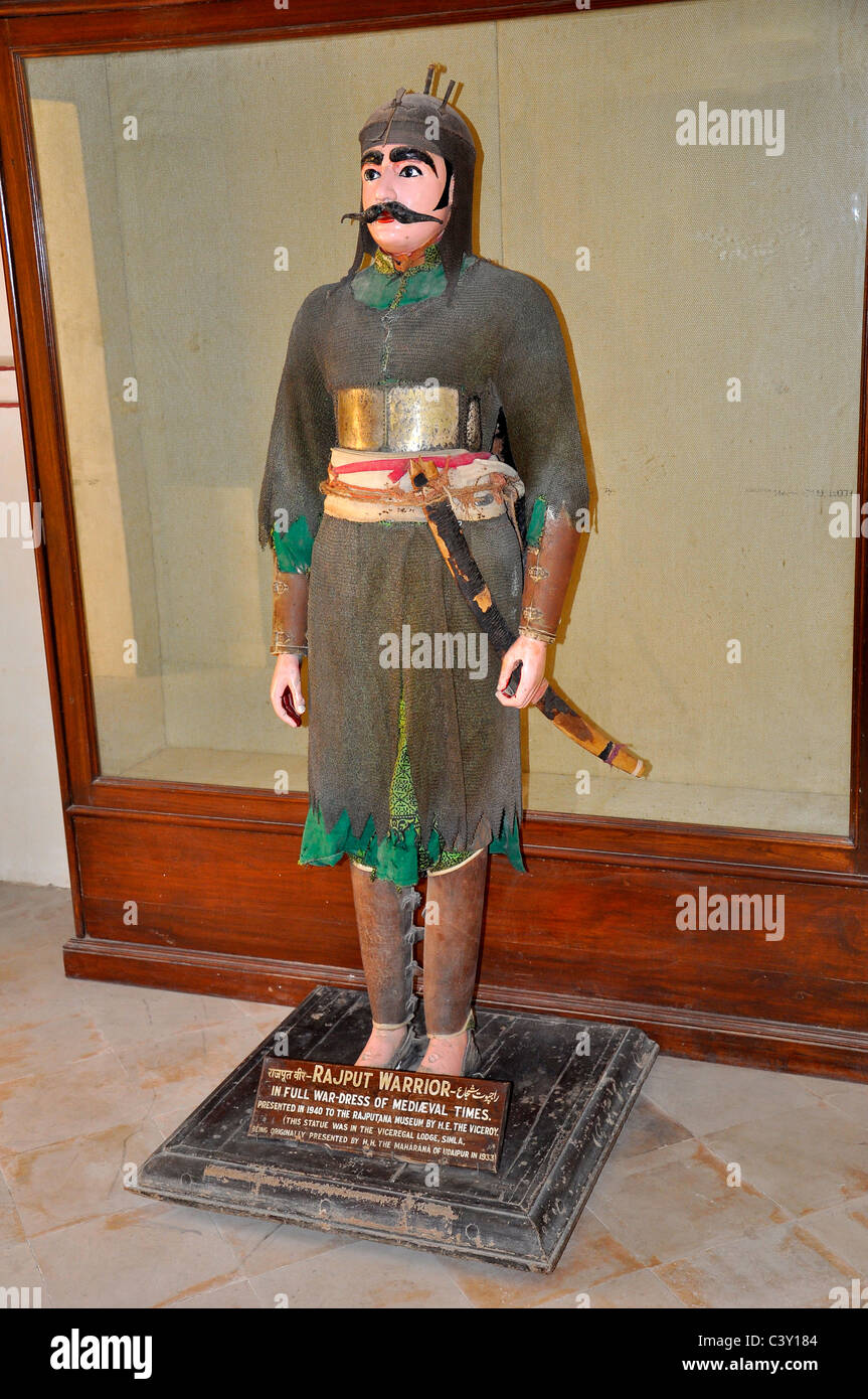 Statua di un guerriero Rajput di Rajasthan, India Immagini Stock