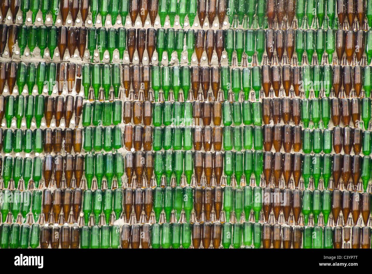 Pareti Con Bottiglie Di Vetro : Dettaglio della parete di wat lan kuad in thailandia un tempio