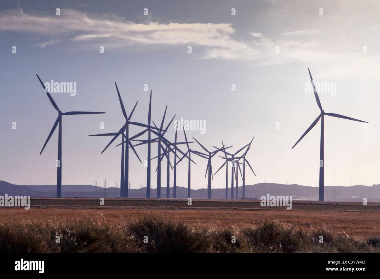 Spagna, Europa, Aragona, fattoria eolica, l'energia eolica, la turbina eolica, l'energia, con Belchite, Immagini Stock