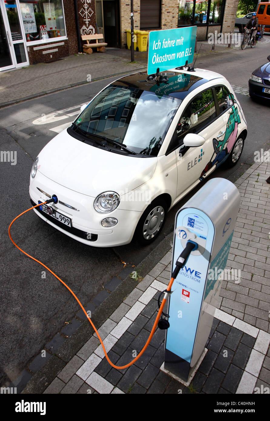 Auto Elettrica Alimentata Da Un Motore Elettrico Utilizzando L