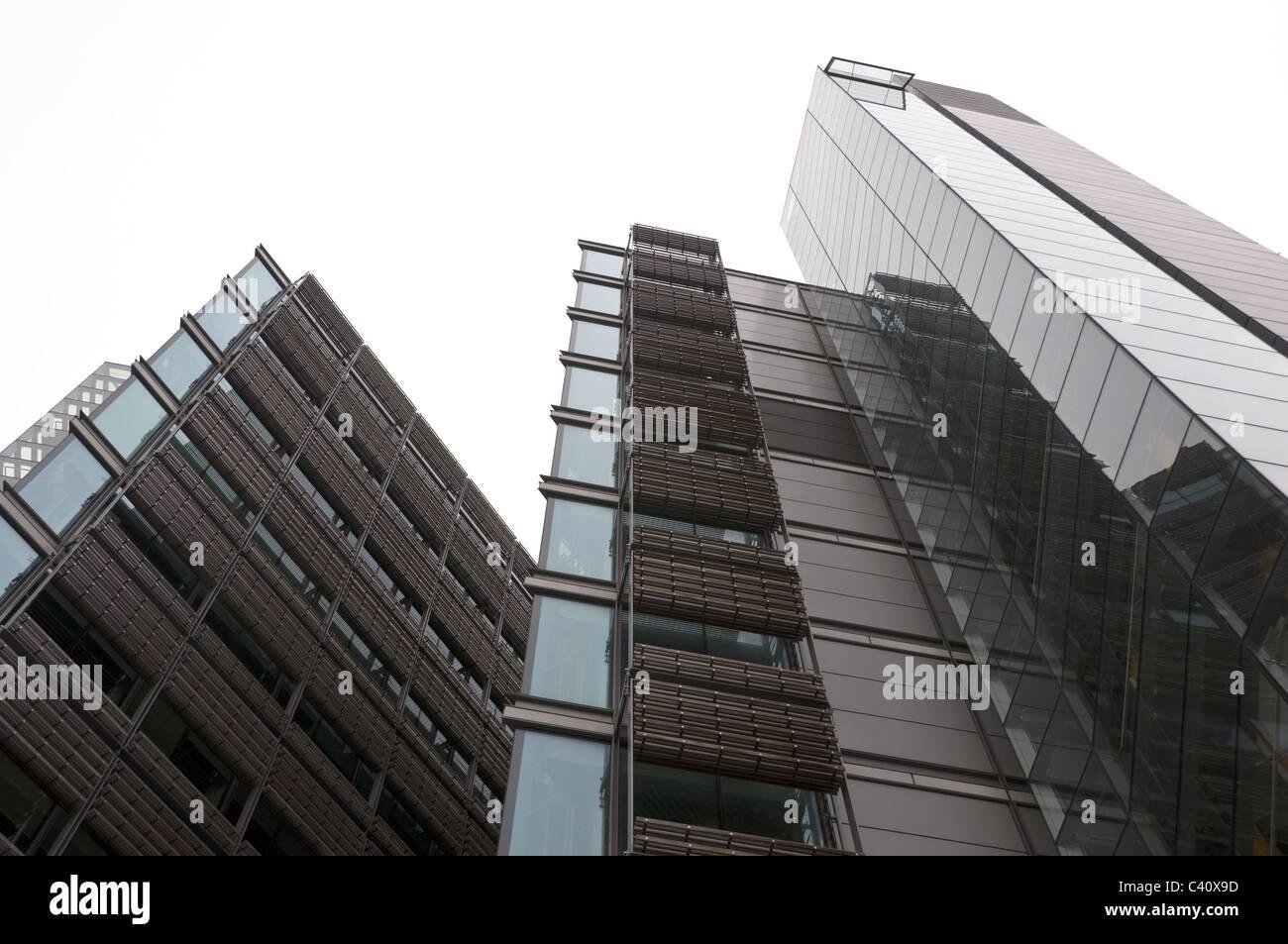 Moderna e contemporanea architettura di vetro, edificio per uffici a Paddington Basin Waterfront, Londra, Inghilterra, Immagini Stock