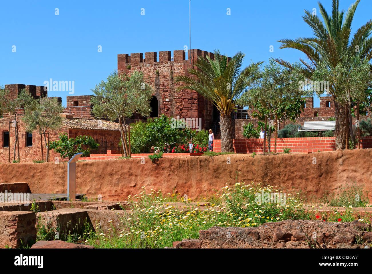 Immagini Di Giardini Moderni : Il castello di silves algarve portogallo. giardini moderni in