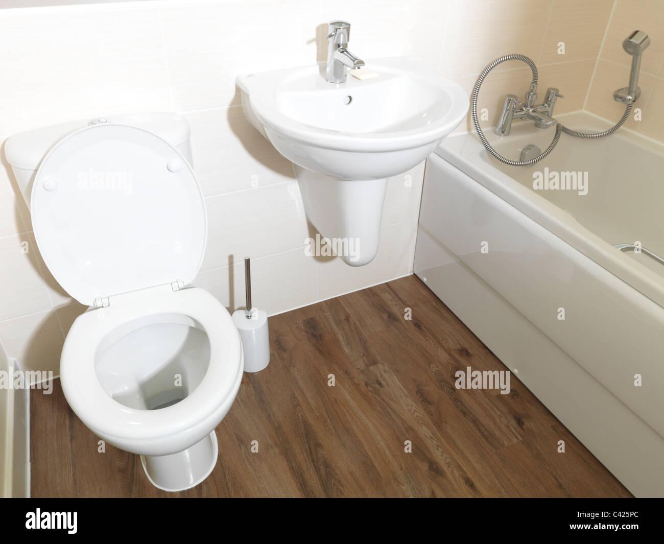 Vasca Da Bagno Con Lavabo : Nuovo appartamento bagno wc lavabo e vasca da bagno con doccia