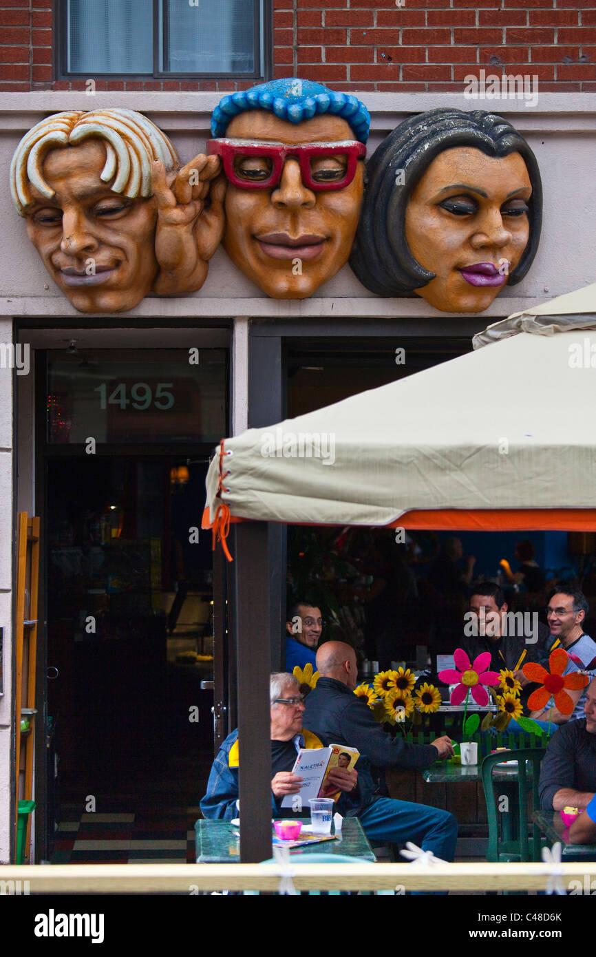 Cafe in Le Village gai o il villaggio quartiere gay, Montreal, Canada Immagini Stock