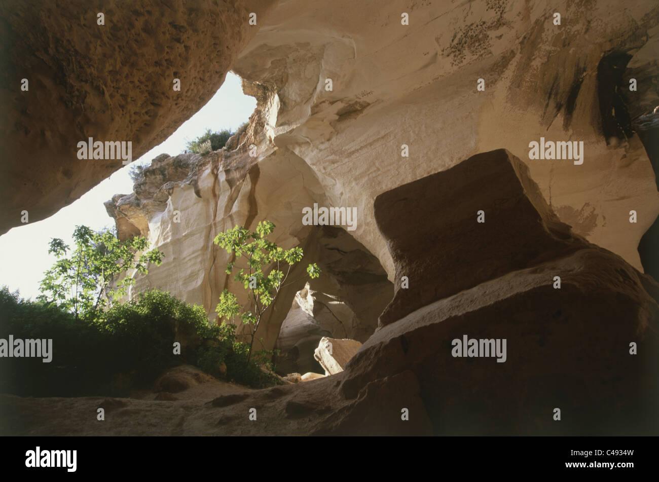 Fotografia del Luzit grotte nel parco Britannia nella valle del Terebinto Immagini Stock