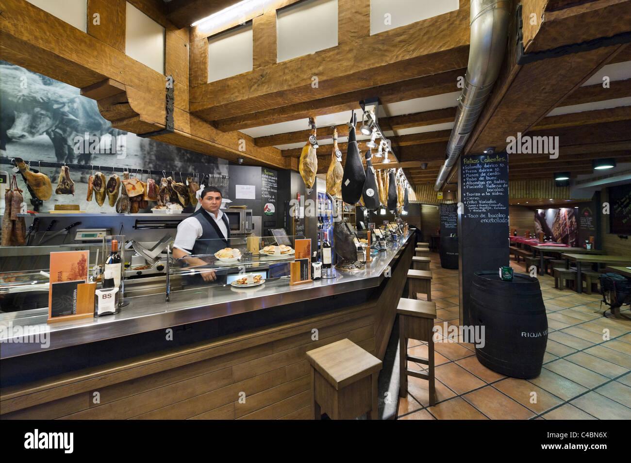Il Tapas bar nel centro storico (Casco Viejo), Pamplona, Navarra, Spagna Immagini Stock