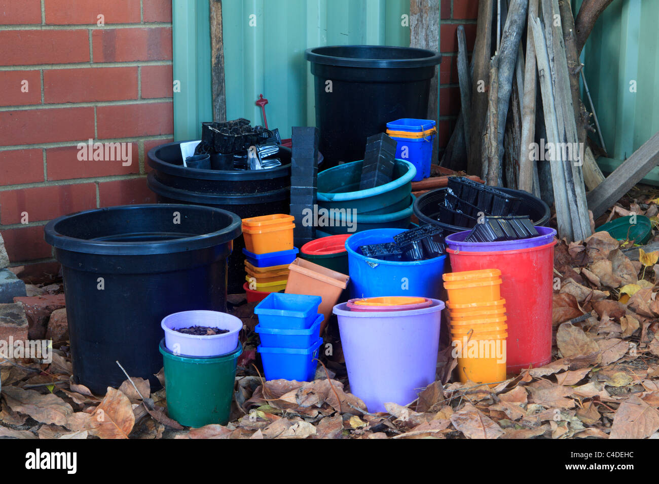 Plastica vasi di piante Immagini Stock