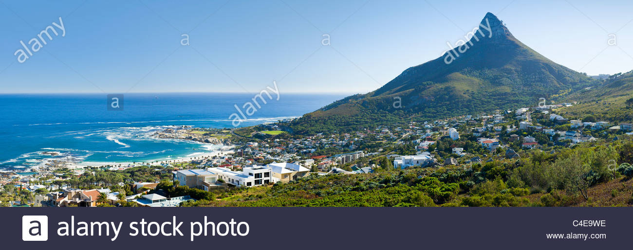 Camps Bay e testa di leone, Cape Town, Sud Africa. Immagini Stock