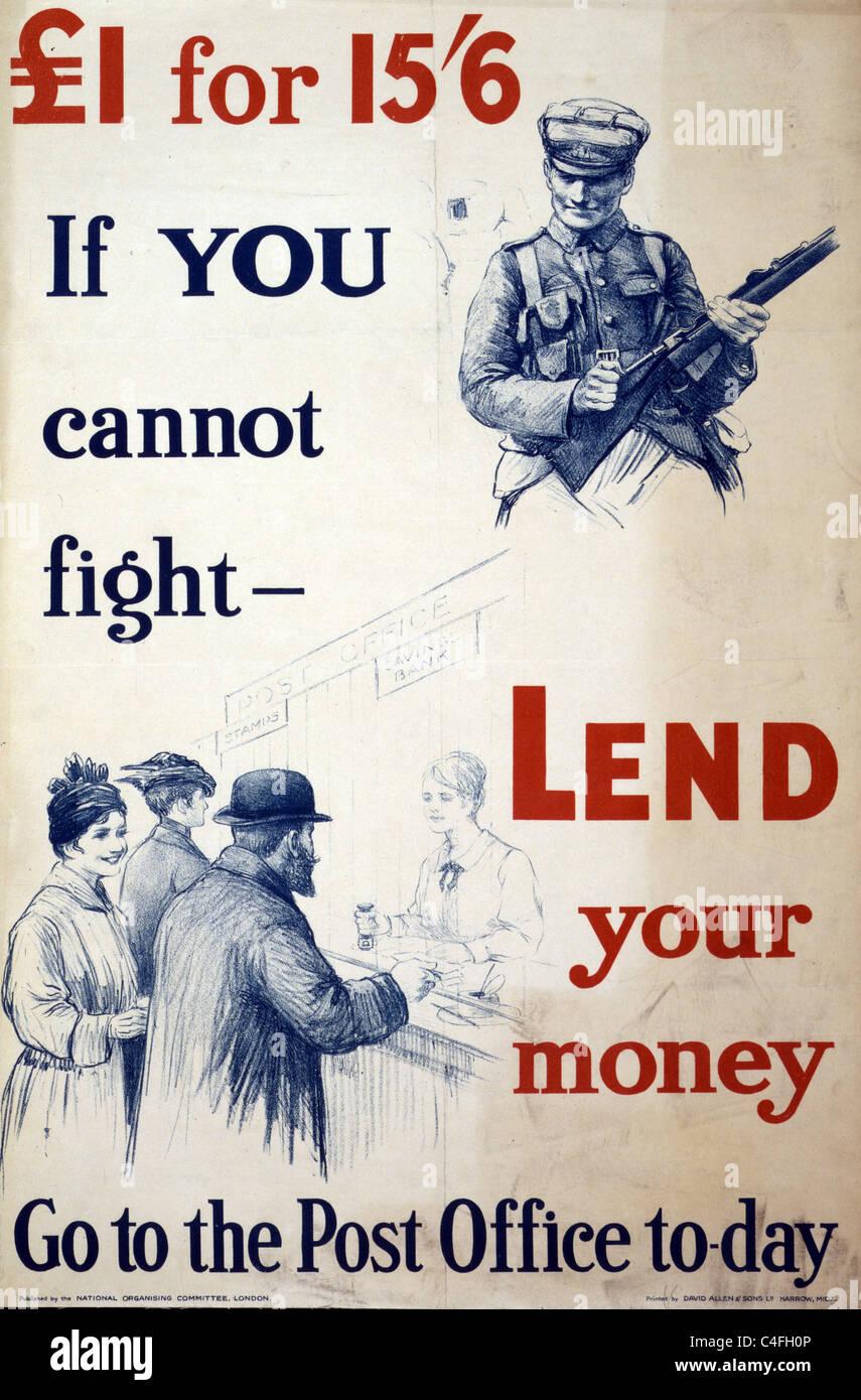 """Poster raffigurante un soldato con un fucile e una scena di un """"Saving Bank' commesso aiutando i clienti Immagini Stock"""