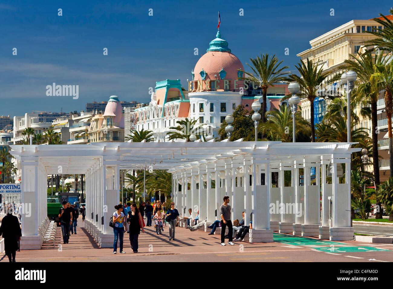 L'Europa, Francia, Alpes-Maritimes (06), Promenade des Anglais e Negresco Hotel Immagini Stock