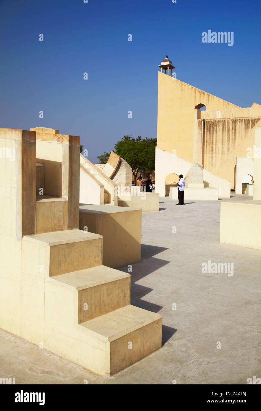 Strumento astronomico a Jantar Mantar (Patrimonio Mondiale dell'UNESCO), Jaipur, Rajasthan, India Immagini Stock