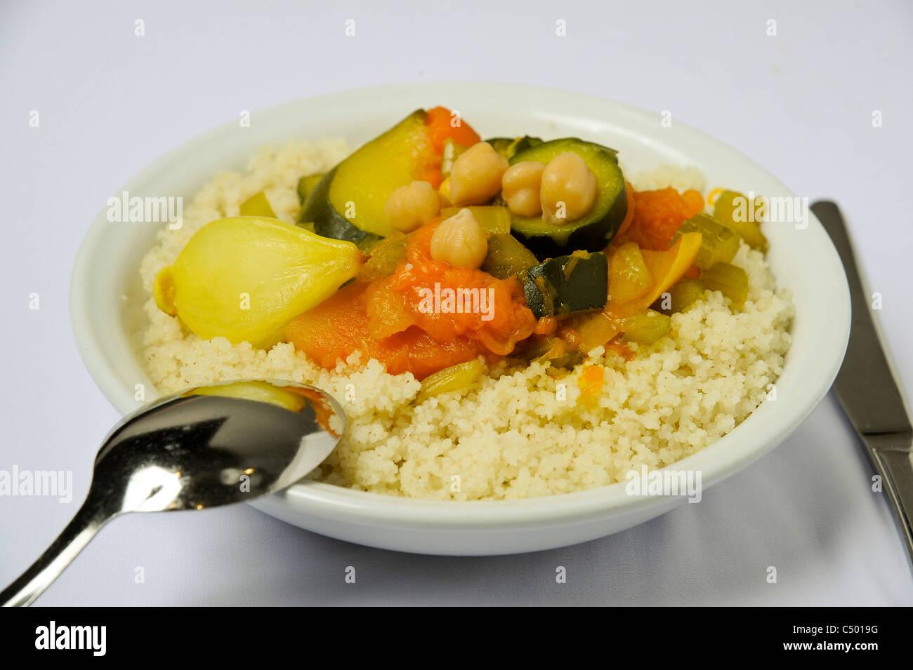 Un piatto di couscous vegetale Immagini Stock