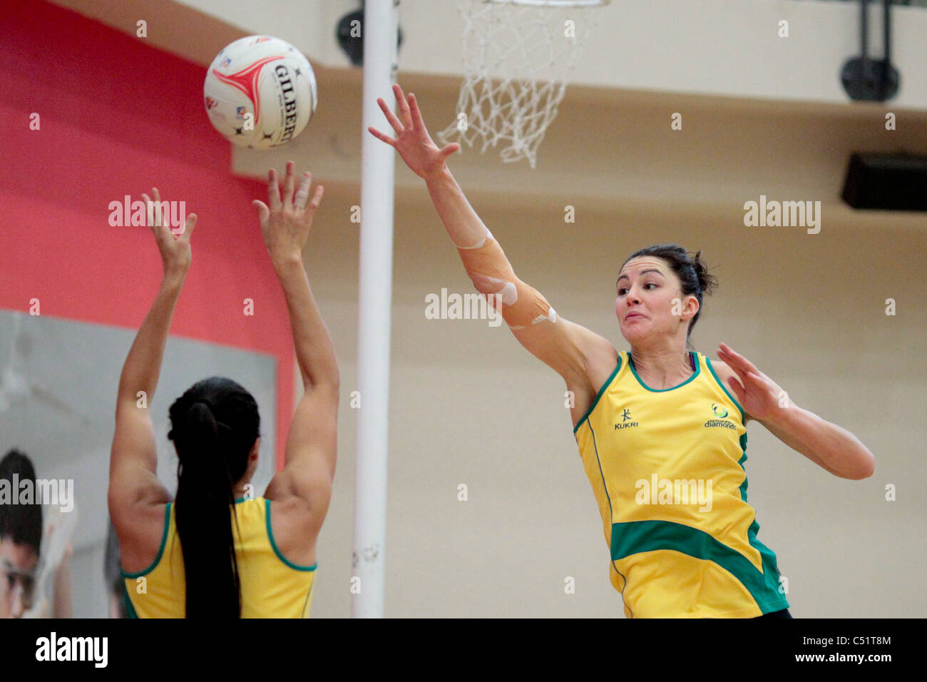 Sharni Layton di Australia durante una sessione di formazione in testa fino alla missione Foods World Netball Championships Immagini Stock