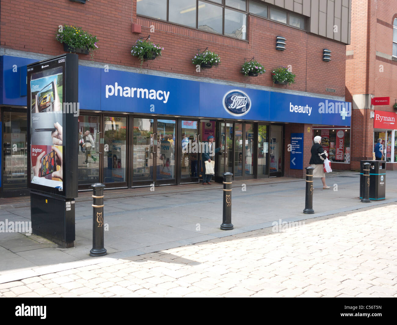 Stivali farmacia, Oldham, Lancashire, Inghilterra, Regno Unito. Foto Stock
