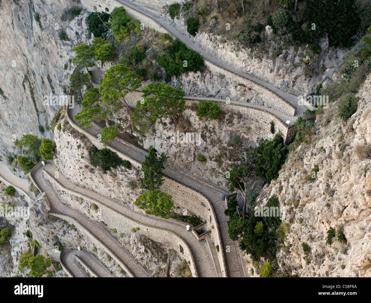 L'Italia, di Capri, isola, isola, mare Mediterraneo, via groppa, street, curve Immagini Stock