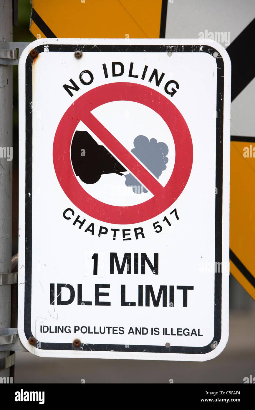 No al minimo anti inquinamento strada segno nel centro cittadino di Toronto Ontario Canada Immagini Stock