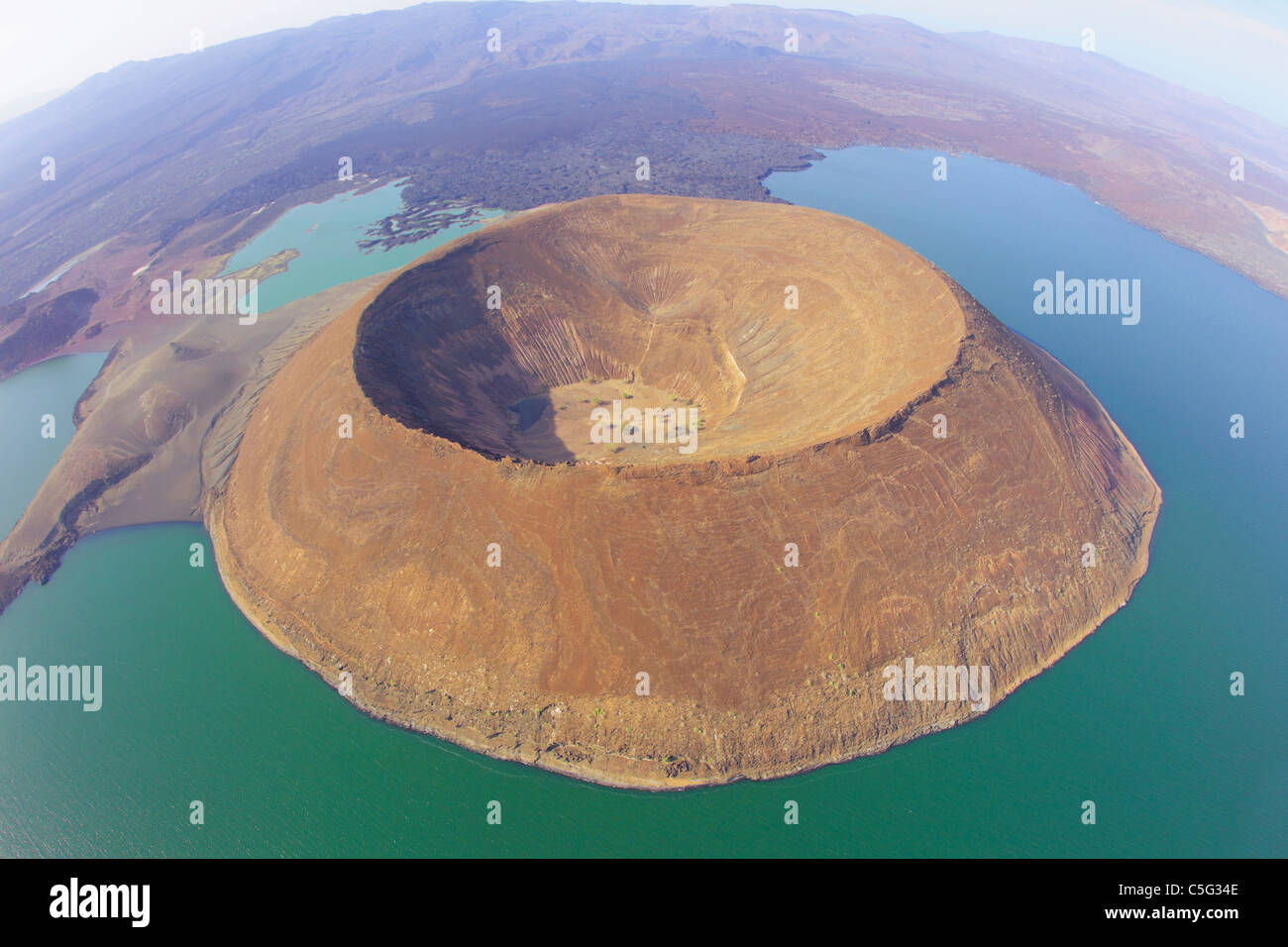 Il lago Turkana è situato nella Grande Rift Valley in Kenya.it è il più grande lago del deserto. Immagini Stock