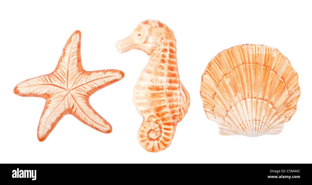 Decorazioni in ceramica elementi isolati su sfondo bianco Immagini Stock