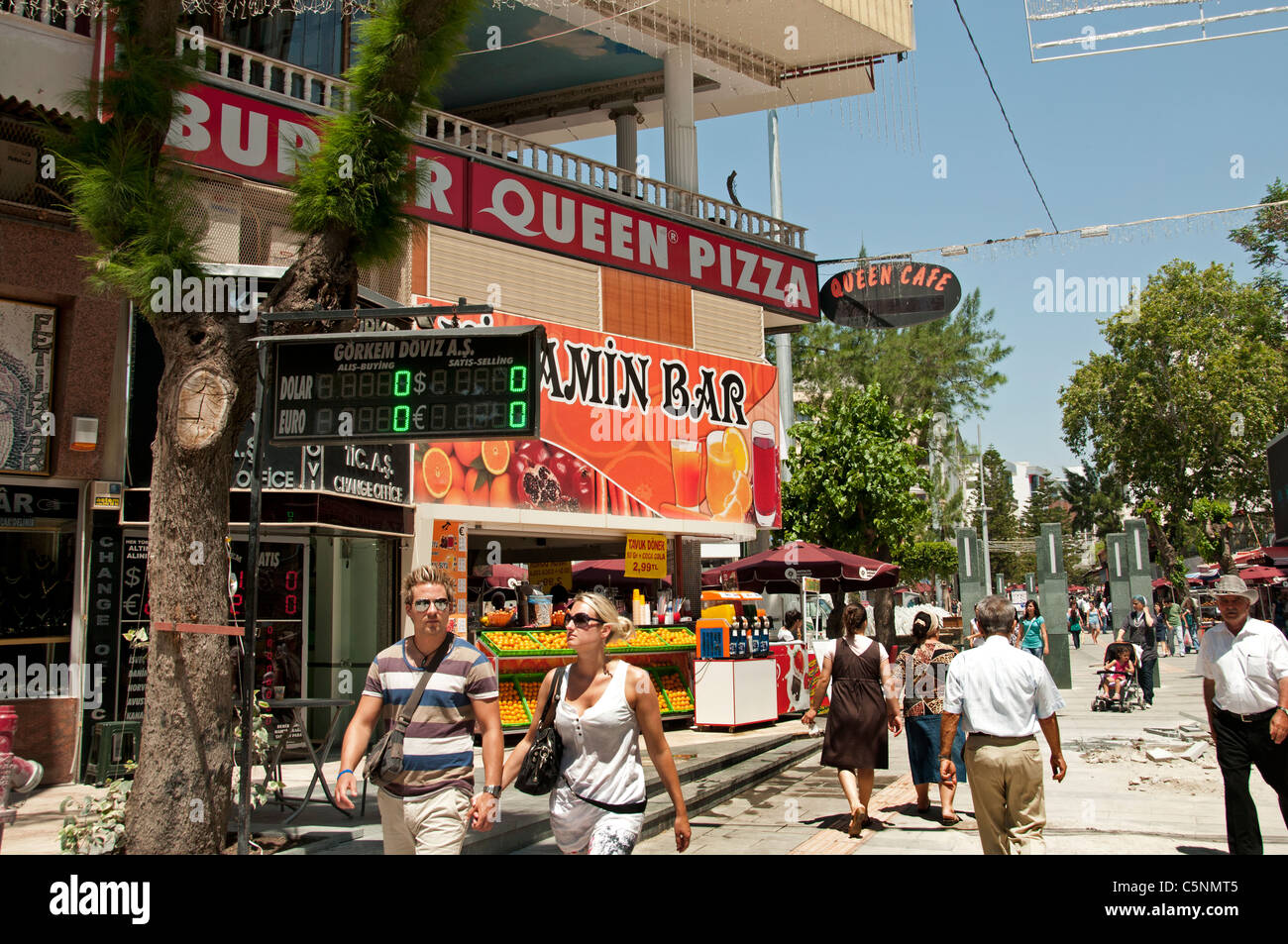Succo di arancia Vitamin Bar Antalya Turchia moderna Immagini Stock