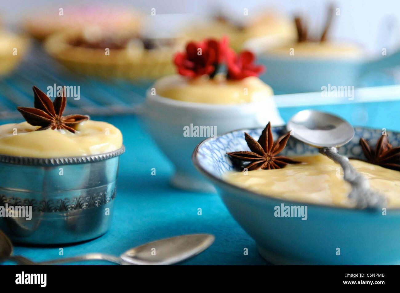 Crema vaniglia (Crema pasticcera) Immagini Stock