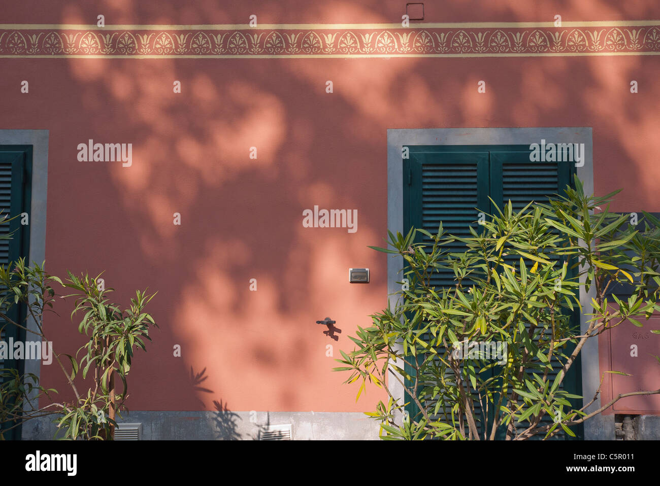 Colore Esterno Casa Salmone : Muro color salmone immagini muro color salmone fotos stock alamy