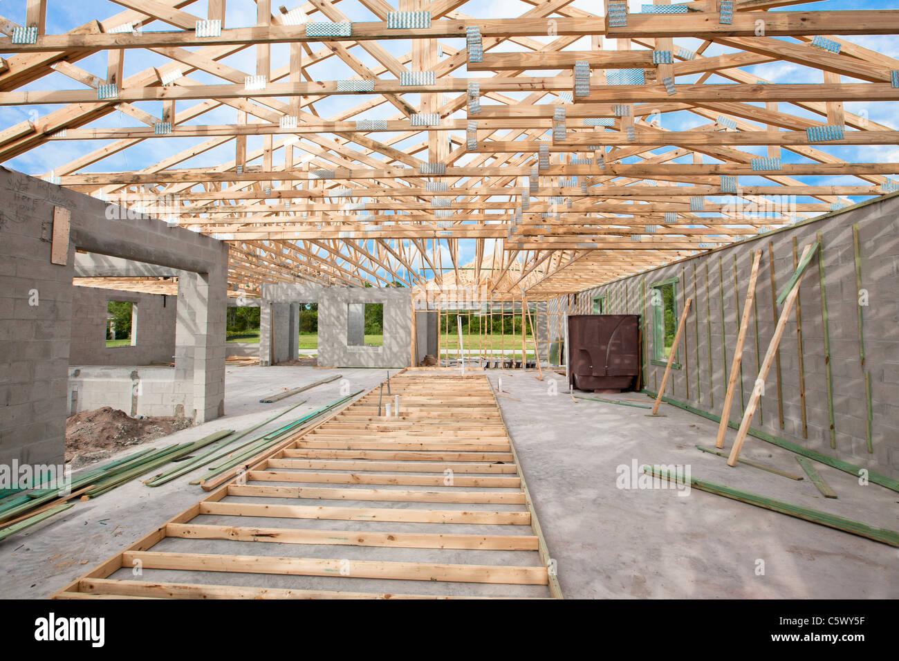 Costruire Tetto In Cemento blocco di cemento pareti, tetto in legno travatura home