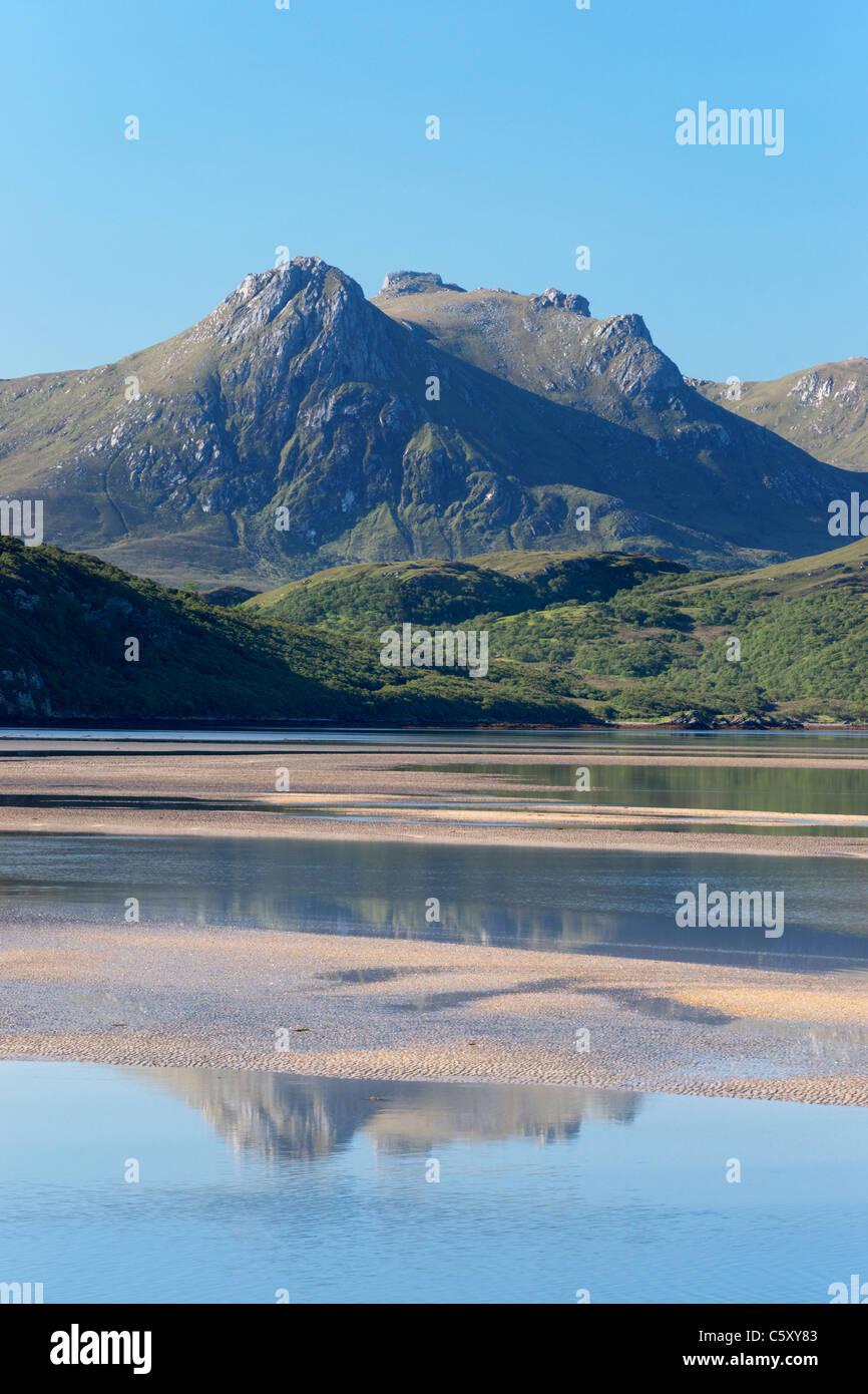 Ben leale e Kyle della linguetta, vicino a Tongue, Sutherland, Highland, Scotland, Regno Unito. Immagini Stock