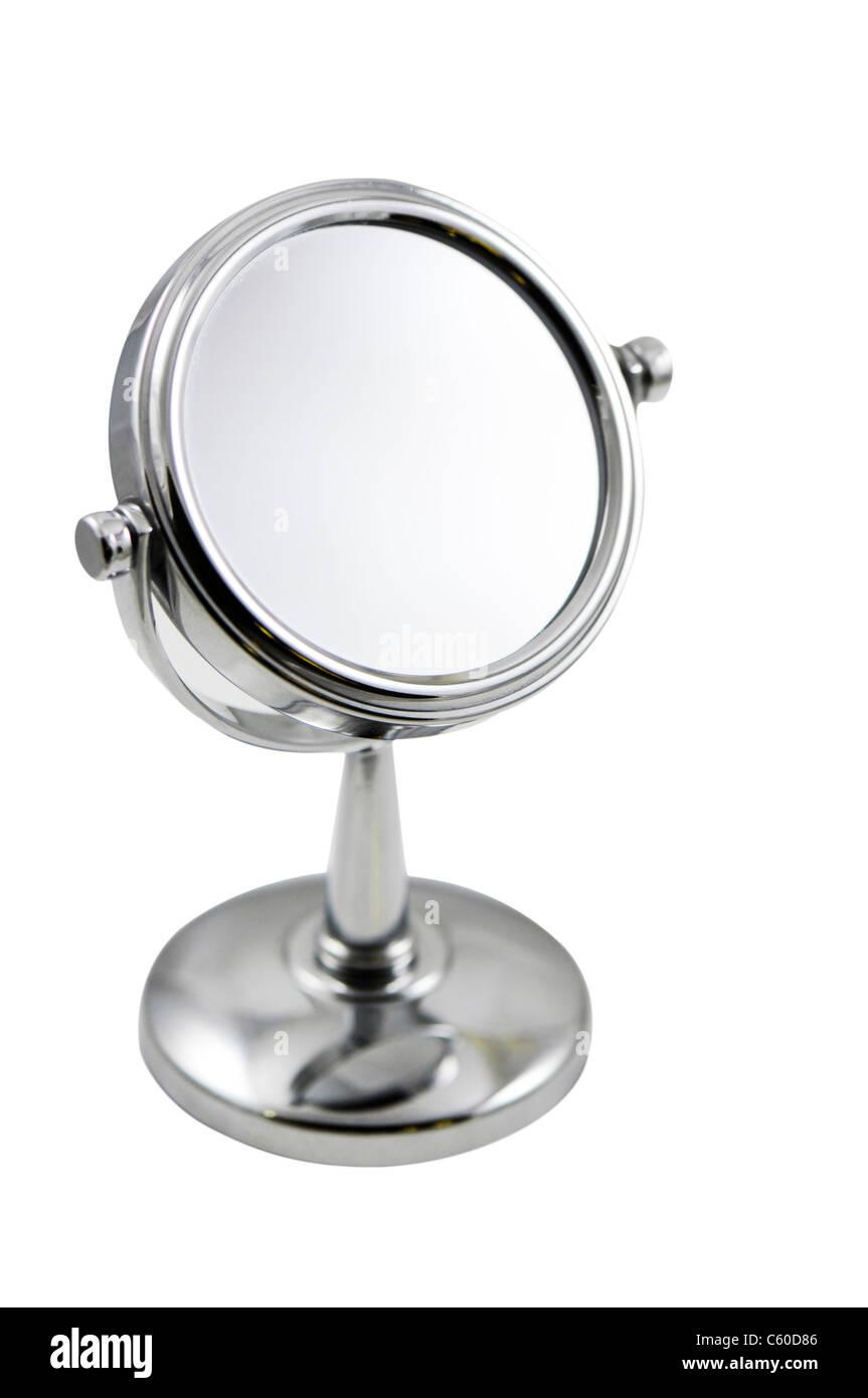 Specchio per il Make-up su sfondo bianco Foto Stock